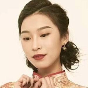 Amanda Zhou 4 of 5