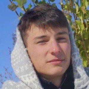 Amar Mujkanovic Headshot 2 of 3