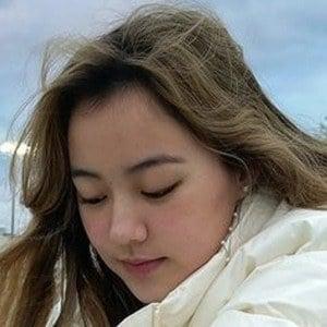 Amber Alexander Headshot 6 of 10