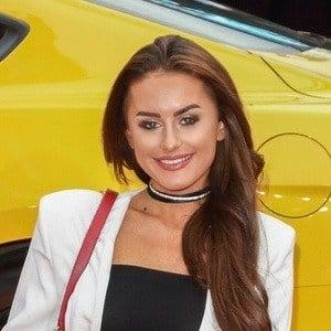Amber Davies 7 of 7