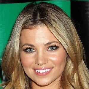 Amber Lancaster 2 of 5