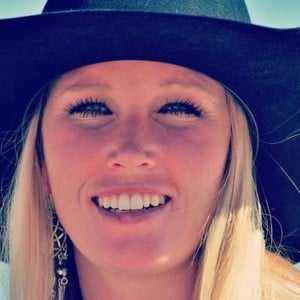 Amberley Snyder 7 of 10