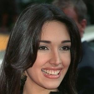 Amelia Vega 4 of 5