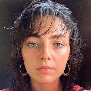 Amelia Zadro 4 of 5