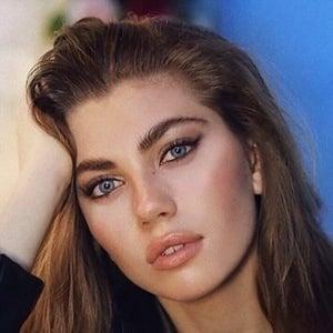 Amelie Zilber 6 of 10