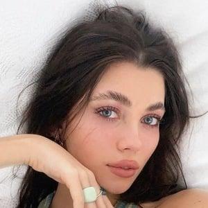 Amelie Zilber 9 of 10
