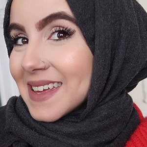 Amina Chebbi 4 of 6