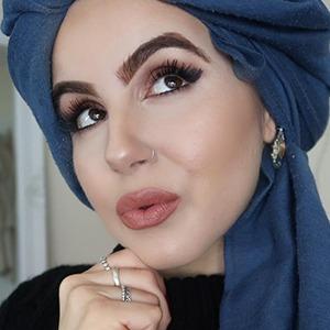 Amina Chebbi 5 of 6