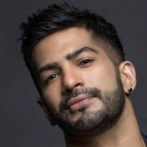 Amit Tandon 5 of 8
