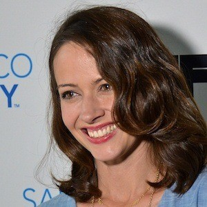 Amy Acker 4 of 10