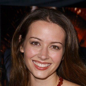 Amy Acker 8 of 10