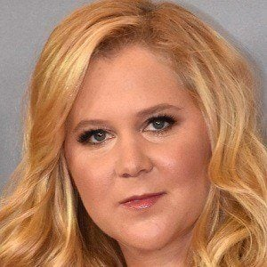 Amy Schumer 2 of 9