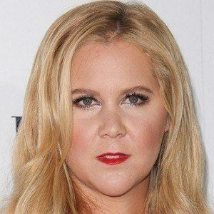 Amy Schumer 5 of 9