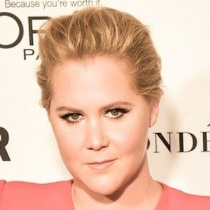 Amy Schumer 8 of 9