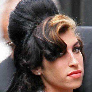 Amy Winehouse 5 of 10