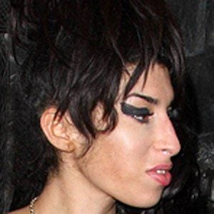 Amy Winehouse 6 of 10