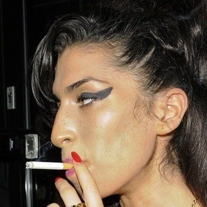 Amy Winehouse 7 of 10