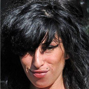 Amy Winehouse 8 of 10