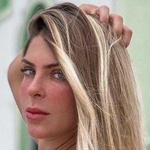 Ana Bruna Headshot 7 of 10