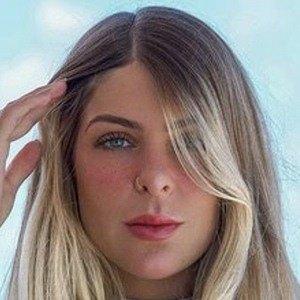 Ana Bruna Headshot 8 of 10