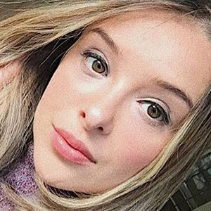 Ana Flávia Damiani 4 of 6