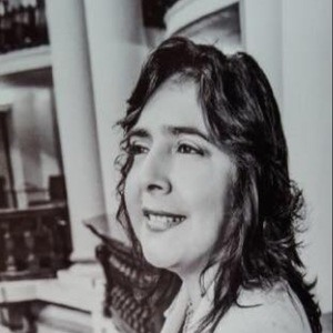 Ana Jara Velásquez 4 of 6