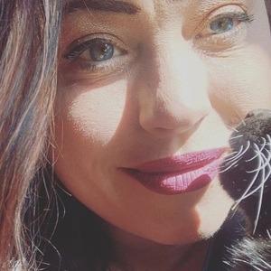 Ana Lovelis Headshot 6 of 10