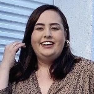 Ana Luiza Palhares Headshot 2 of 10