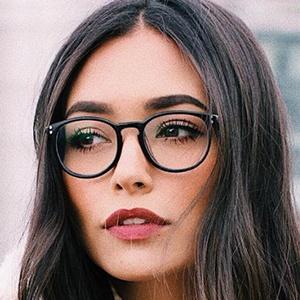 Ana Vbon 5 of 6