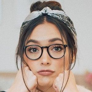 Ana Vbon 6 of 6