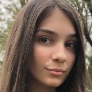 Anastasia Lopicic 2 of 4