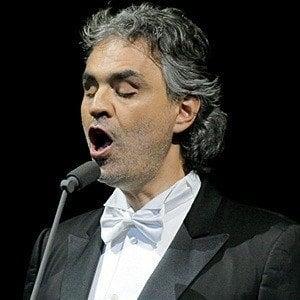 Andrea Bocelli 9 of 10