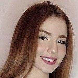 Andrea Cuadros Salek Headshot 3 of 10