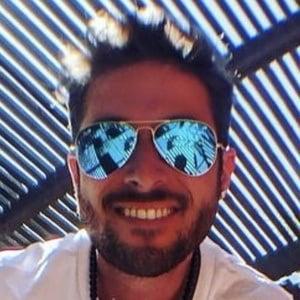 Andres Vernazza Headshot 5 of 10