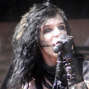 Andy Biersack - Bio, Facts, Family | Famous Birthdays