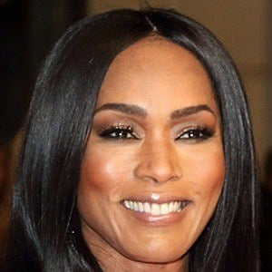 Angela Bassett 7 of 10