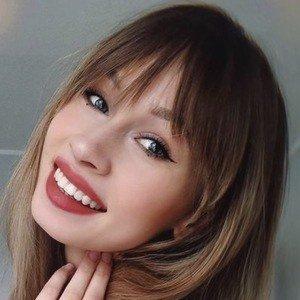 Angelika Hejnar Headshot 6 of 10