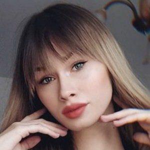 Angelika Hejnar Headshot 7 of 10