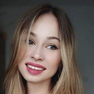 Angelika Hejnar Headshot 9 of 10