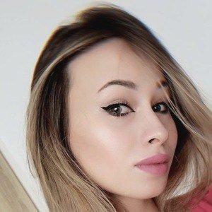 Angelika Hejnar Headshot 10 of 10