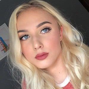 Angelika Oles 2 of 6