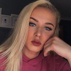 Angelika Oles 3 of 6