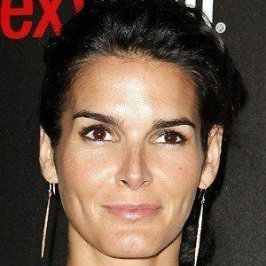 Angie Harmon 4 of 10