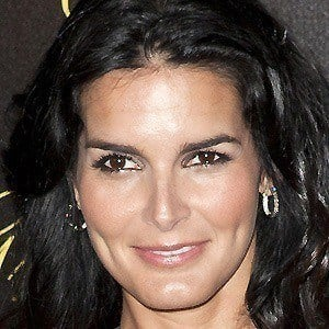Angie Harmon 5 of 10