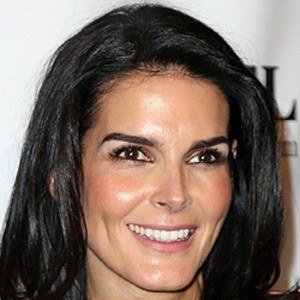 Angie Harmon 8 of 10