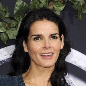 Angie Harmon 10 of 10