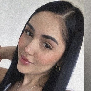 Angie Jimenez Gaviria Headshot 5 of 10