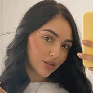 Angie Jimenez Gaviria Headshot 7 of 10