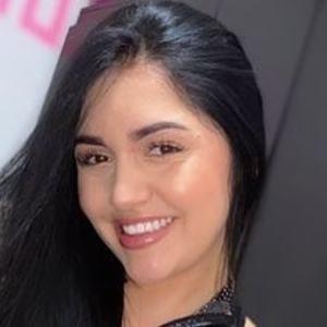 Angie Jimenez Gaviria Headshot 8 of 10