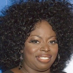 Angie Stone 7 of 10